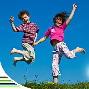Detskú imunitu ohrozuje kolektív a sychravé počasie. Ako ju posilniť?